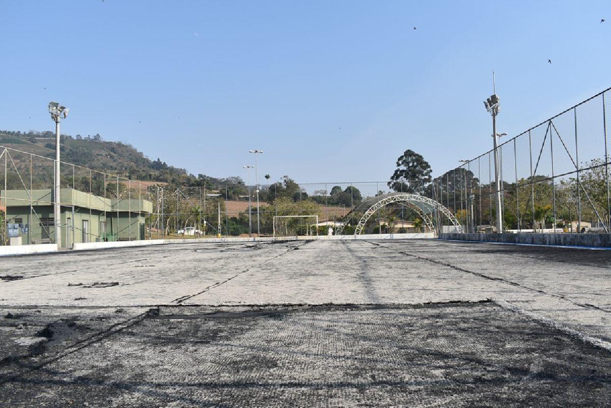 Justiça autoriza Prefeitura a realizar reforma em quadra de society no Bairro da Serra
