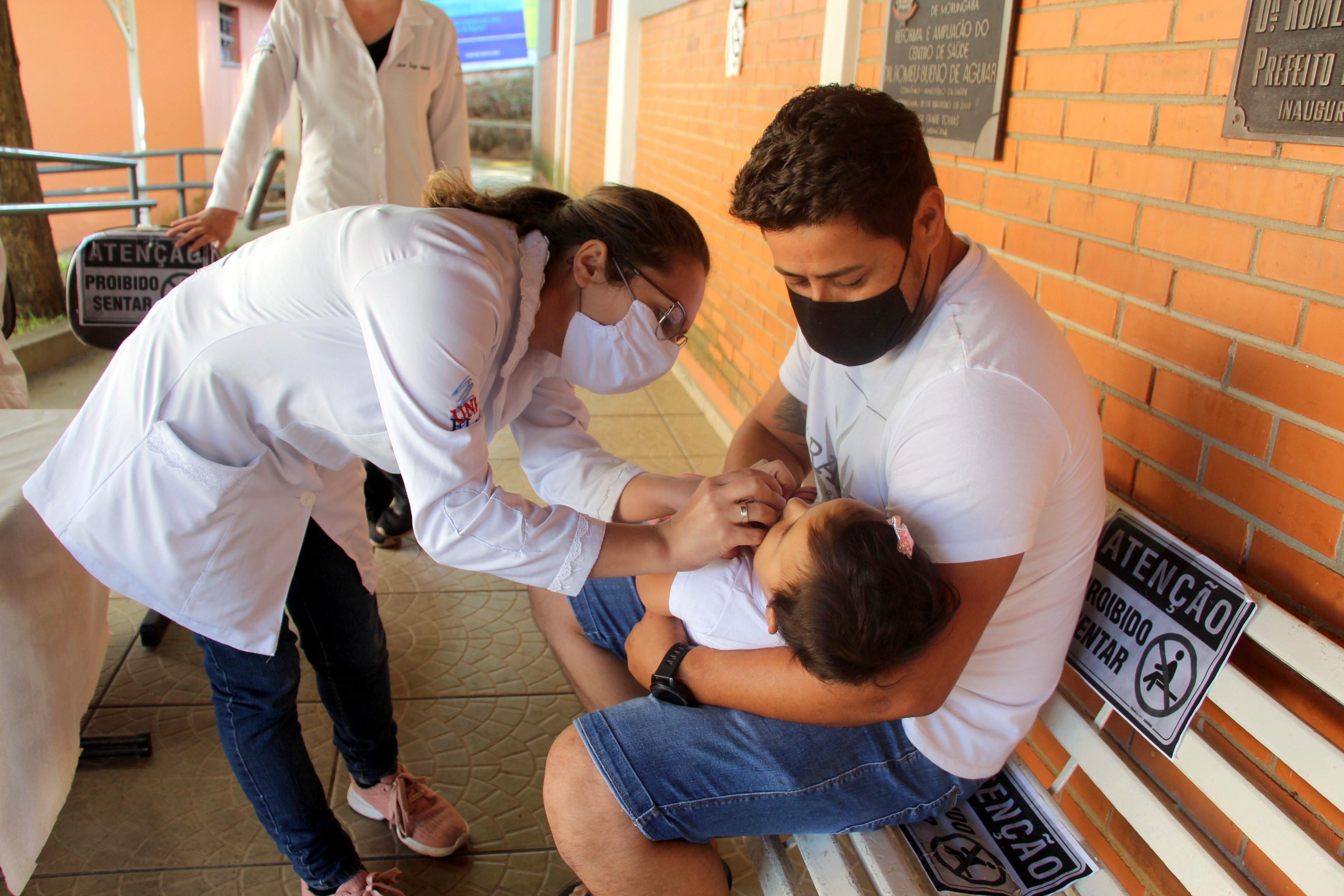 """Em Morungaba: Pais levam crianças e adolescentes para """"Dia D"""" de Multivacinação"""