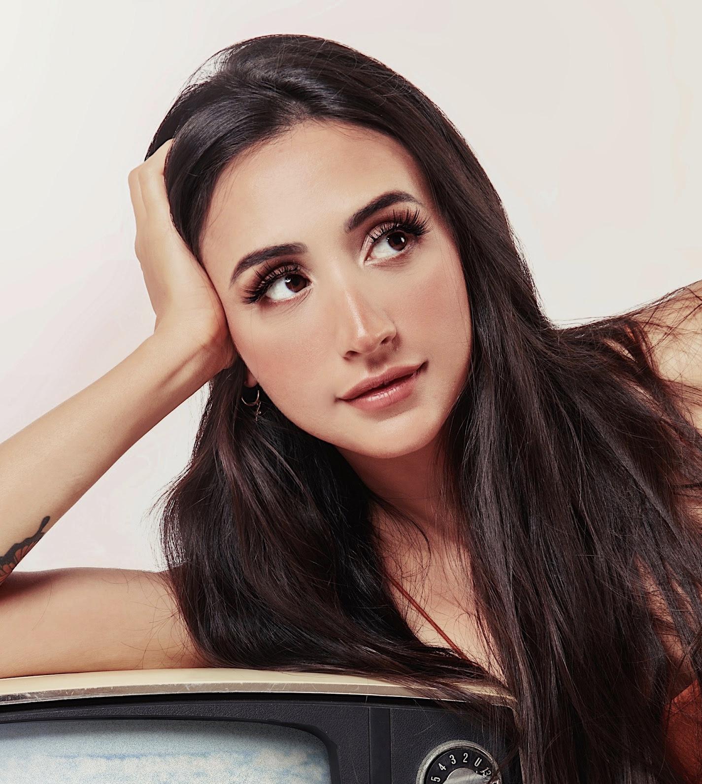 Mariana Nolasco lança single