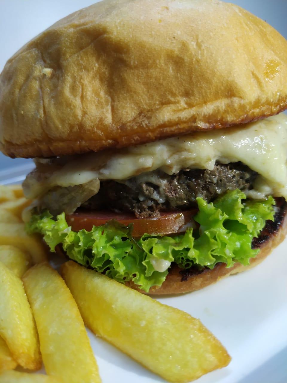 Gourmet Gorgonzola é a indicação de hoje da Lanchonete Burger Mania.