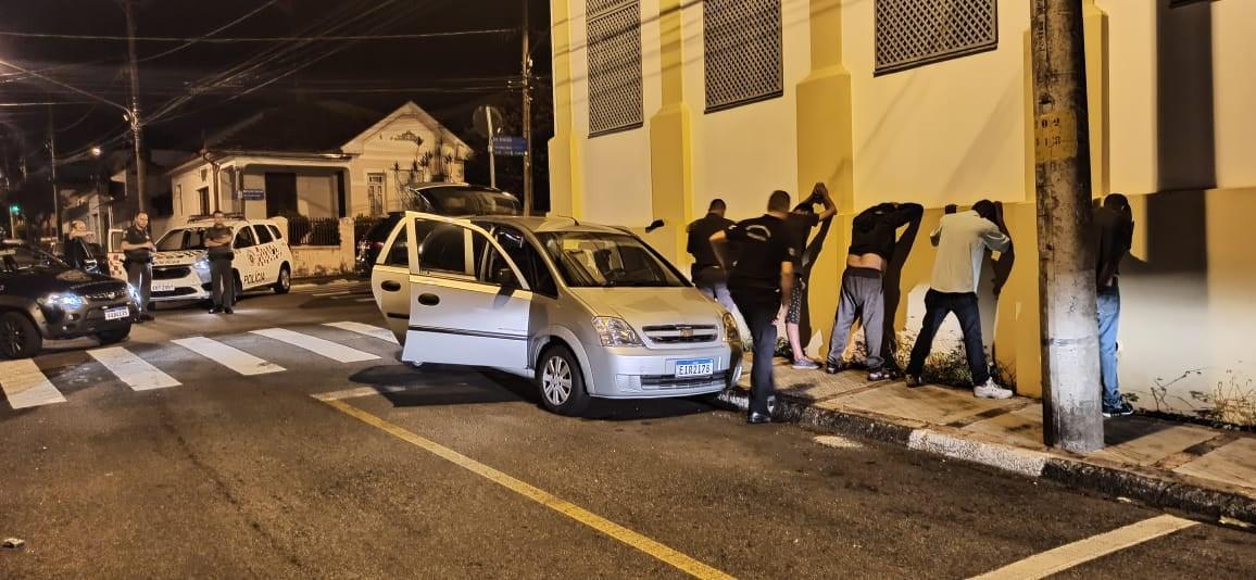 Quatro são detidos por tentativa de furto à Casas Bahia