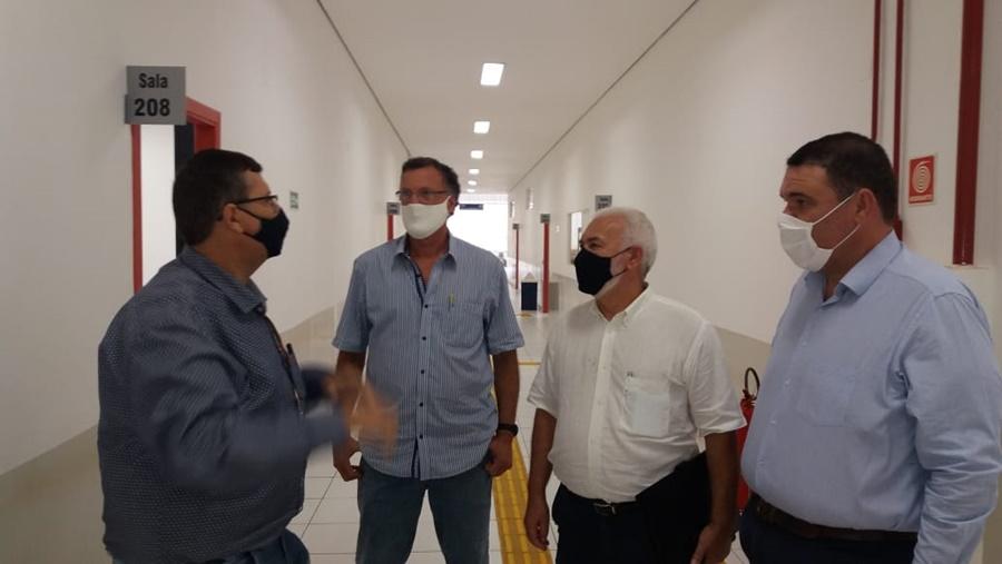 Toninho Bellini visita Uniesi e discute parcerias