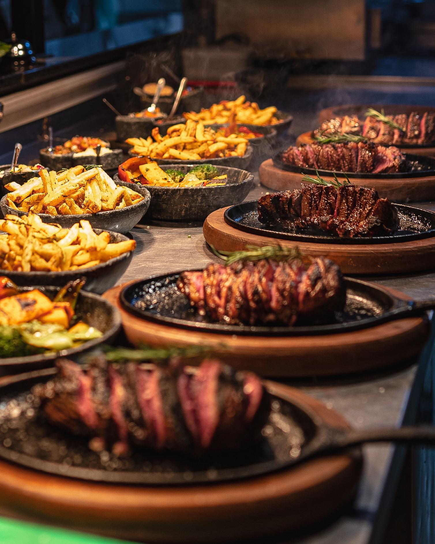 Fim de semana do Café Boteco tem porções, assados, pratos saborosos, chopp de primeira e muito mais