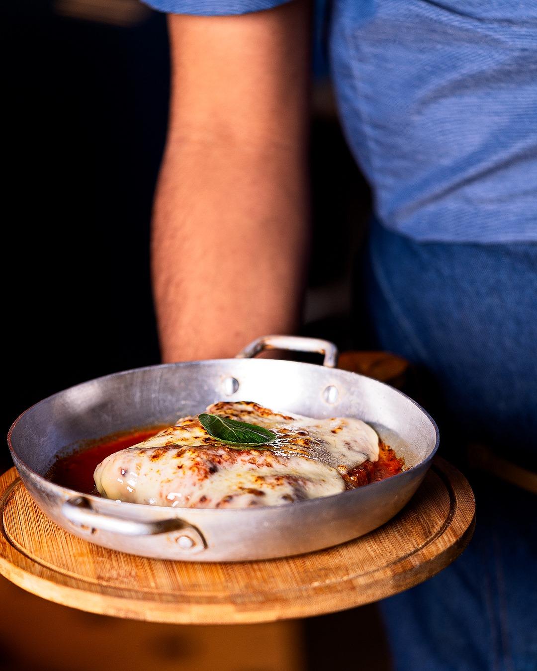 Segunda-feira é de almoço, porções, chopp e muito mais, no Café Boteco