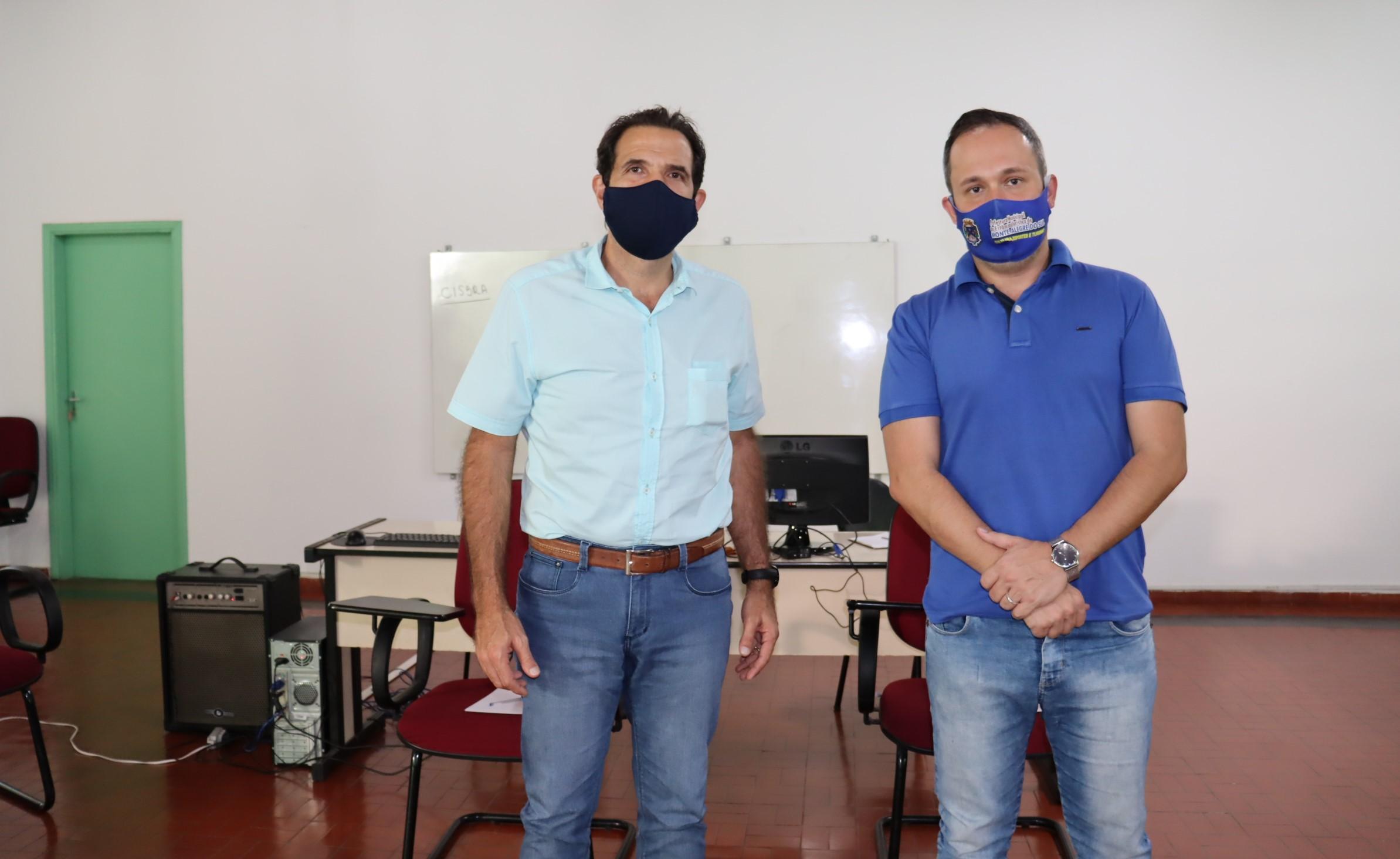 Coleta de lixo foi tema de reunião entre prefeitos de Serra Negra e Monte Alegre do Sul