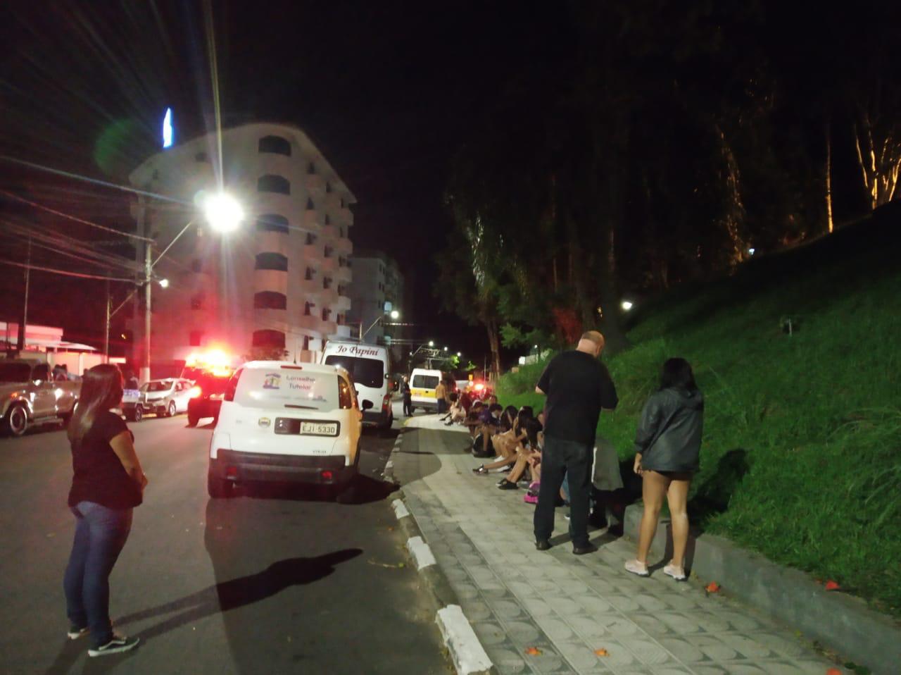 Festa clandestina é fechada no bairro da Ramalhada