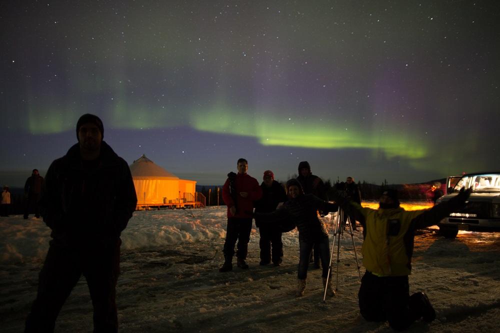 Fenômeno da Aurora Boreal atrai cada vez mais mulheres