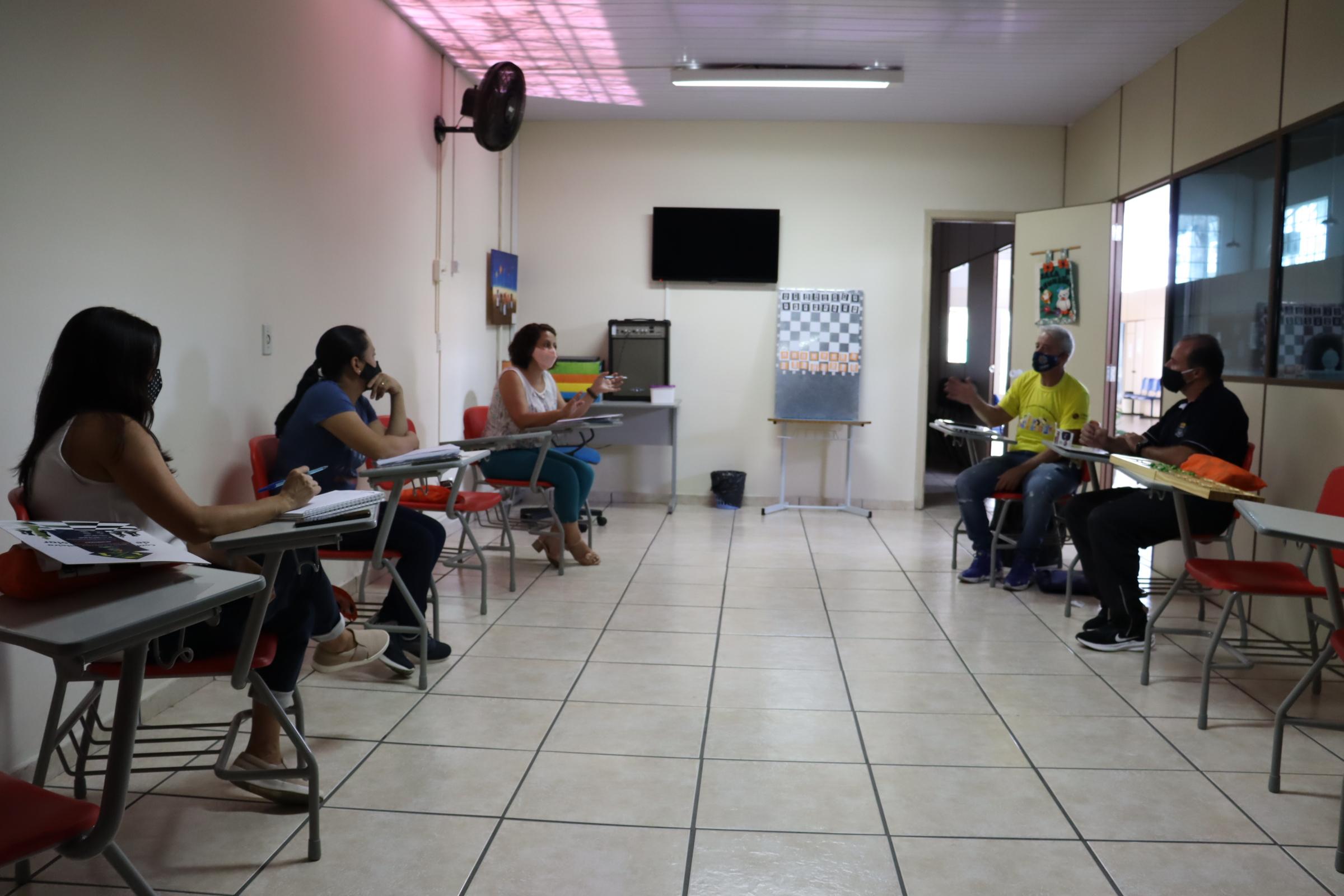 Serra Negra recebe presidente da Confederação Brasileira de Xadrez Escolar