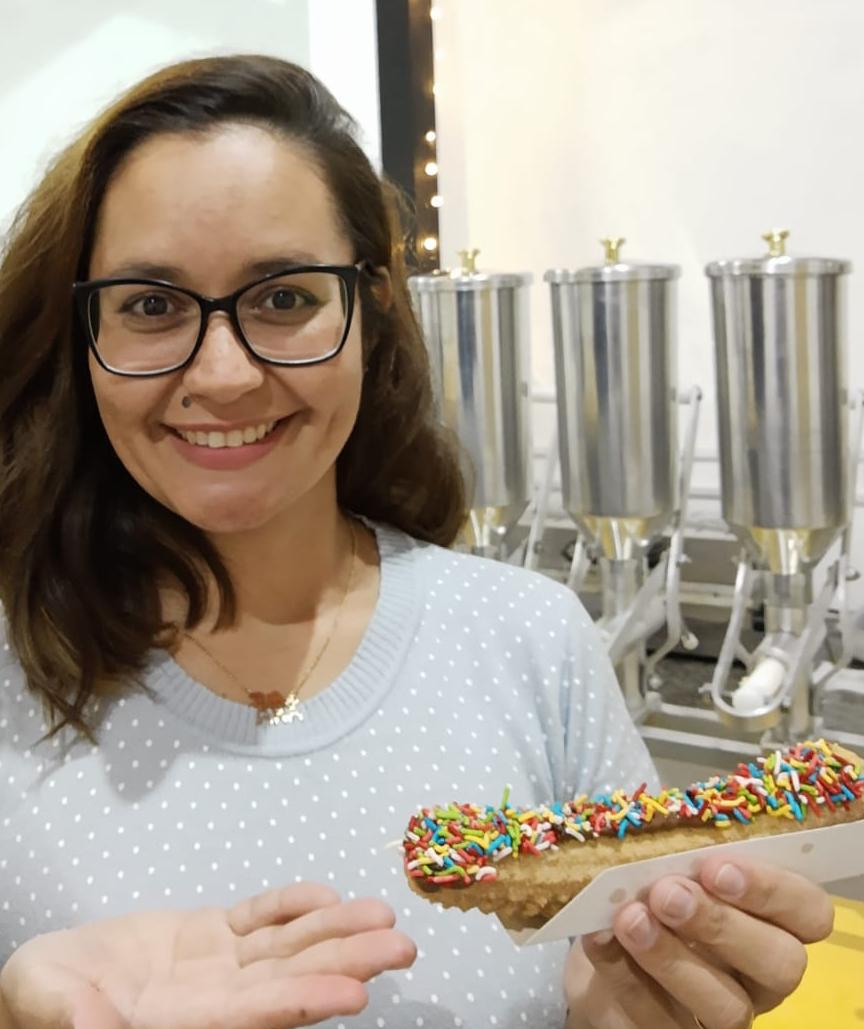 Ex-aluna do Senac abre loja de churros em Itapira