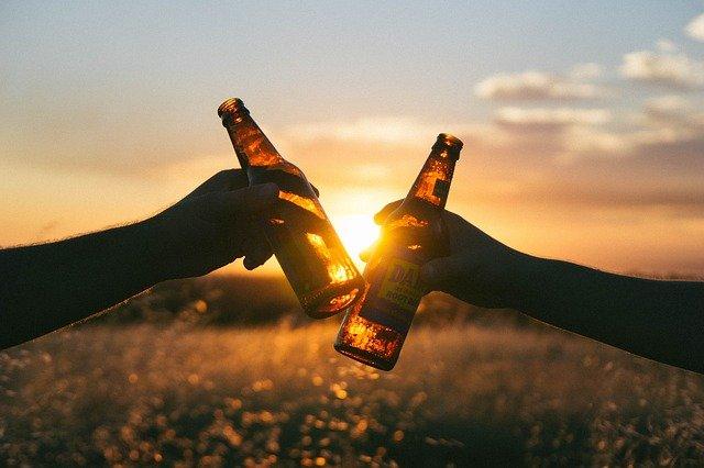 Prefeitos da RMC decidem proibir consumo de bebida alcoólica em espaços públicos