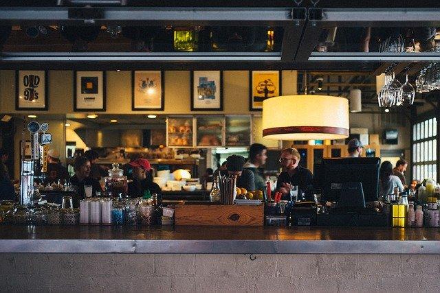 Pesquisa da Abrasel mostra os impactos da crise nos bares e restaurantes da RMC