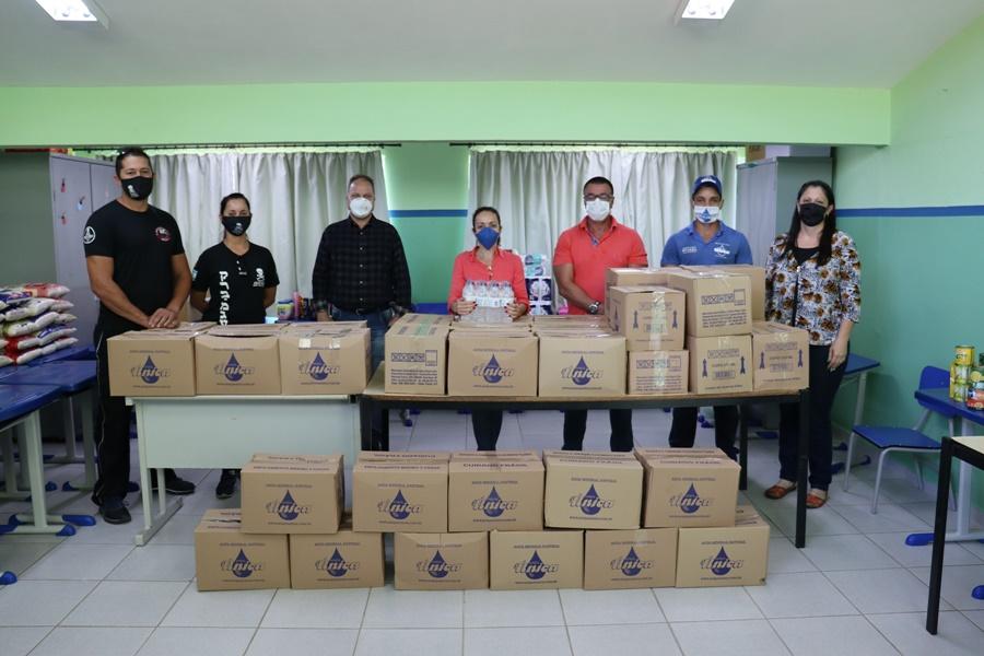 Grupo fez doação de alimentos ao Fundo Social de Solidariedade