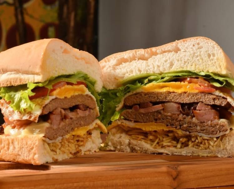 Snack House tem promoções para o sábado, pelo delivery