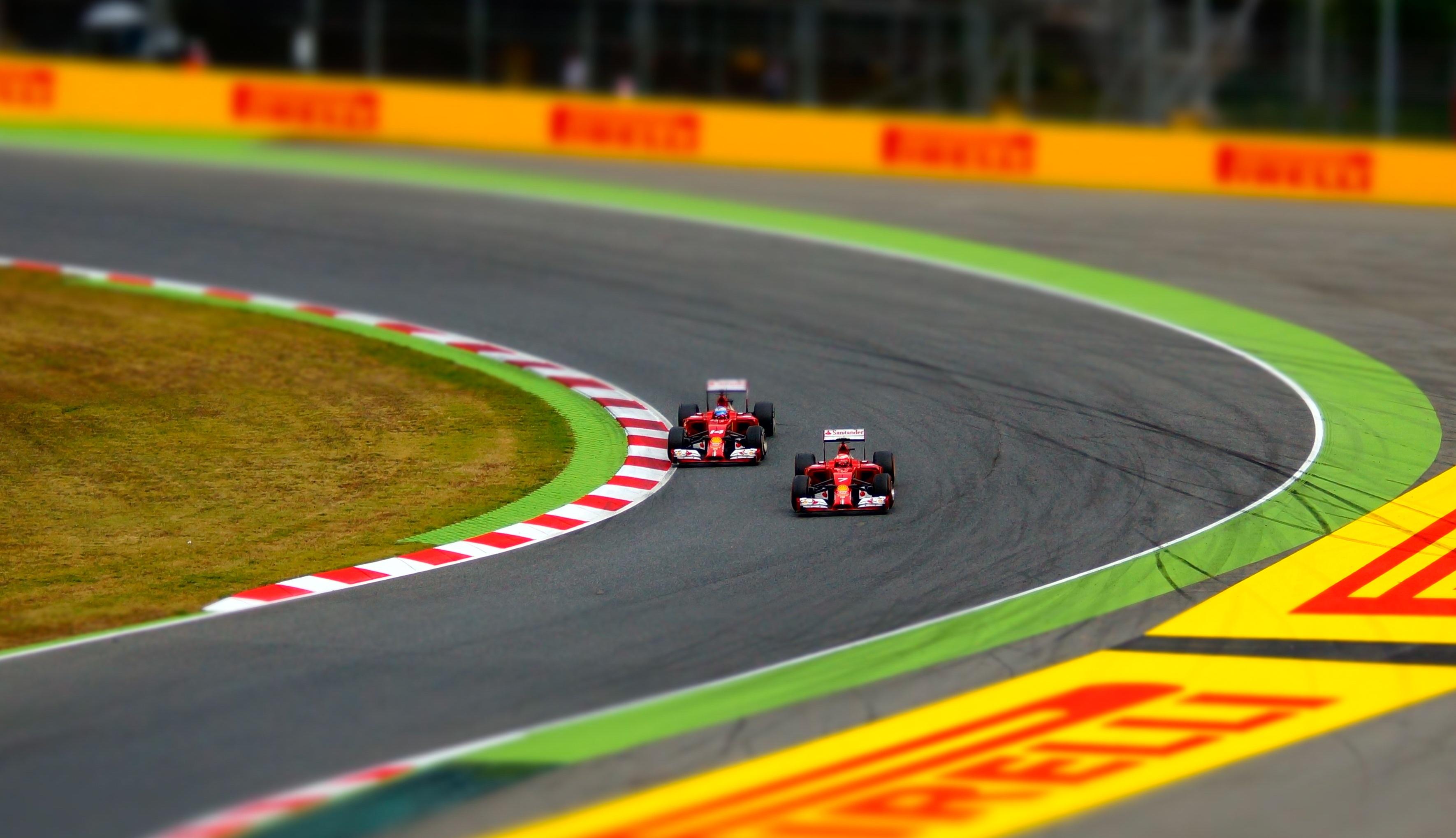 F1: Na Espanha, Hamilton busca abrir vantagem no campeonato