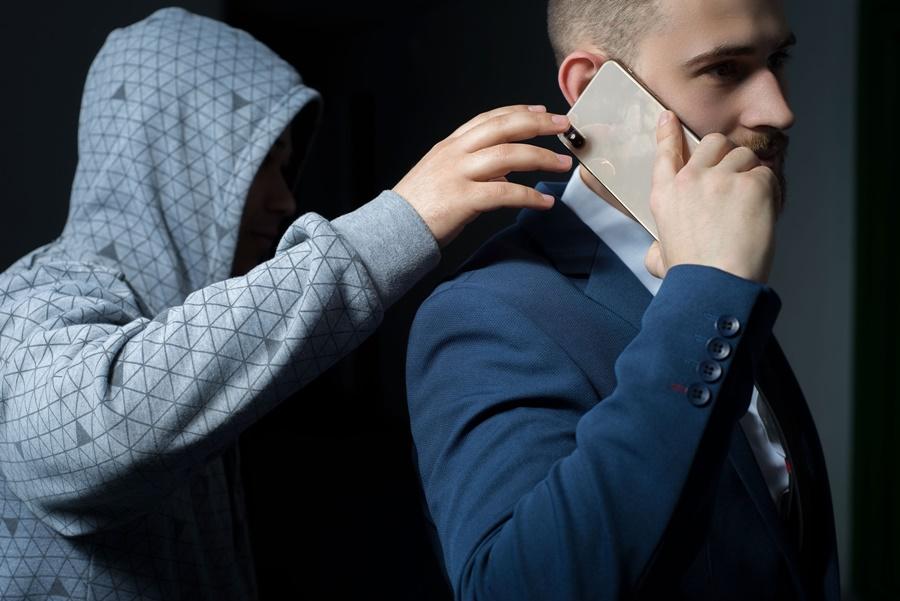 Roubo de celulares acende alerta sobre proteção de dados