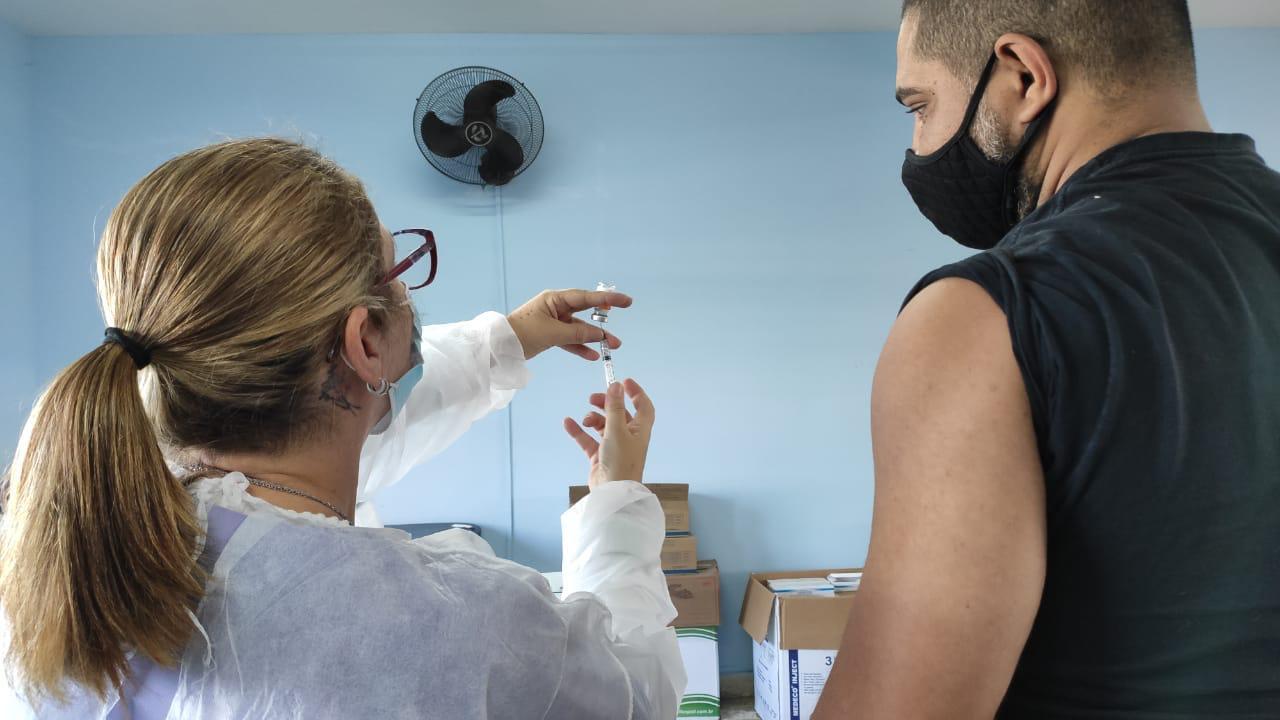 Amparo tem vacinação contra a Covid-19 das 8 às 19 horas