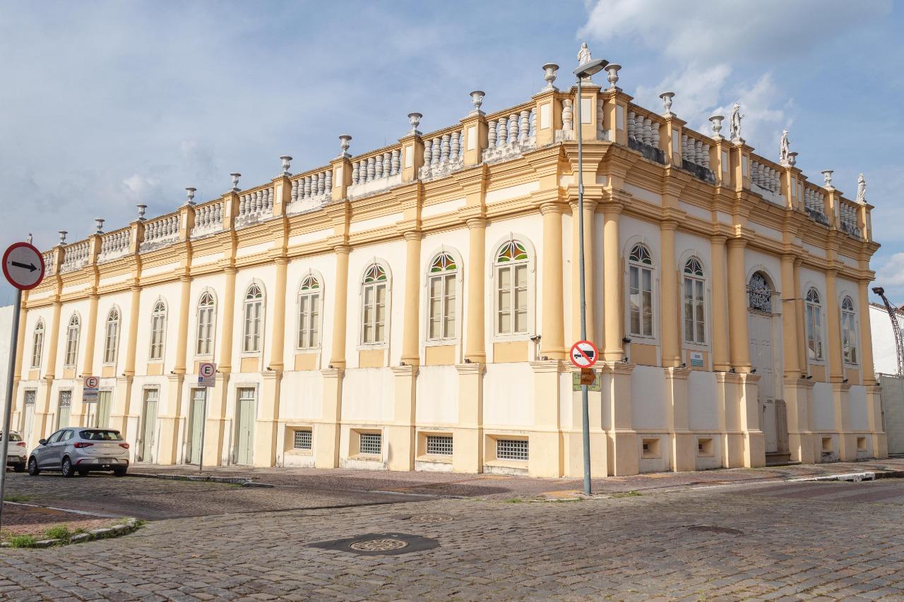 Museu Bernardino de Campos reabre para o público