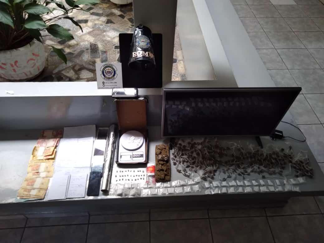 GCM de Serra Negra detém homem por tráfico de drogas no Colina dos Ypês