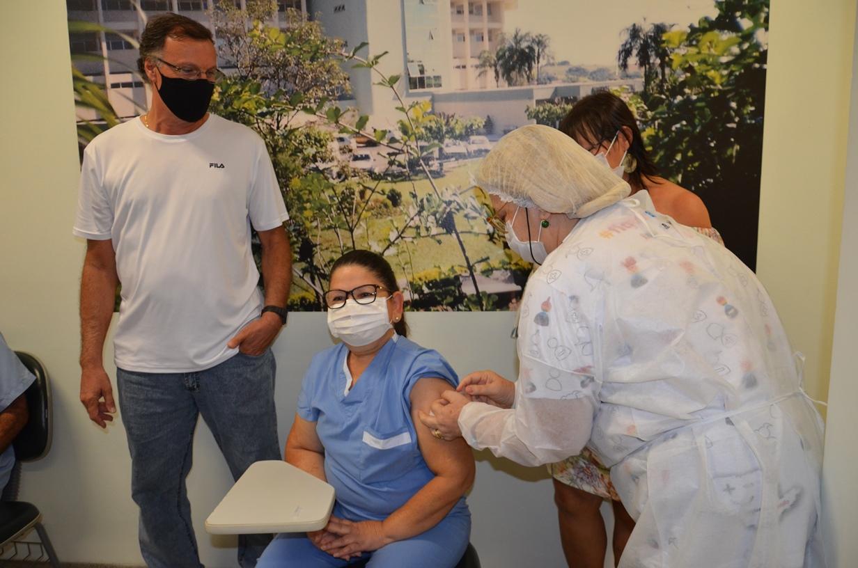 Itapira completa vacinação de todos os adultos com mais de 18 anos