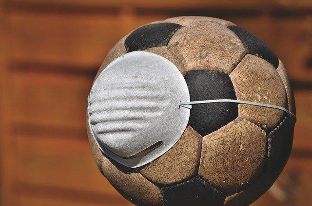 Serra Negra terá música ao vivo e futebol com máscara, a partir de terça-feira