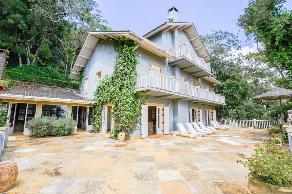 Monte Verde tem hospedagem colonial e casamentos na Villa Coração