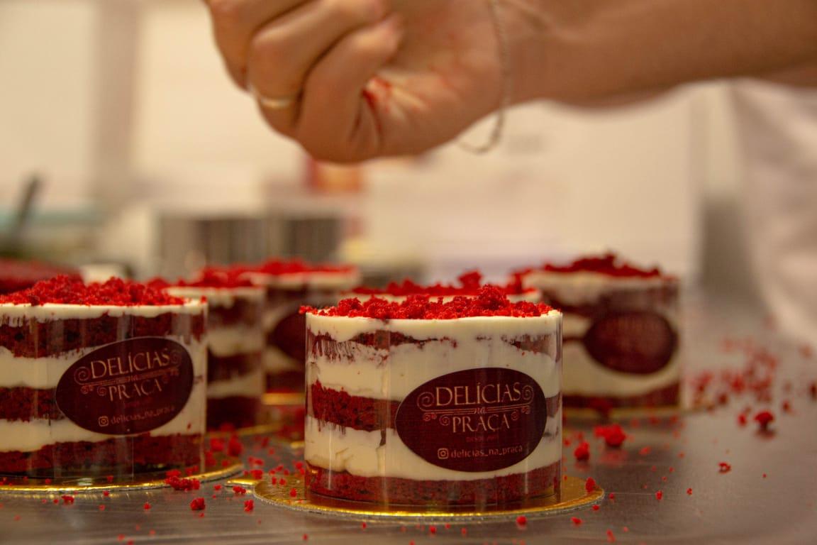 Mini Cake Red Velvet é uma das exclusividades do Pedro Café e Delícias na Praça