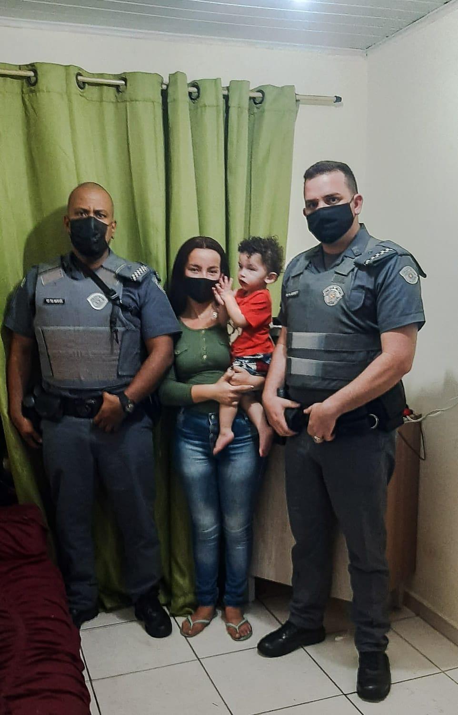 Policiais Militares salvam criança em Pinhalzinho