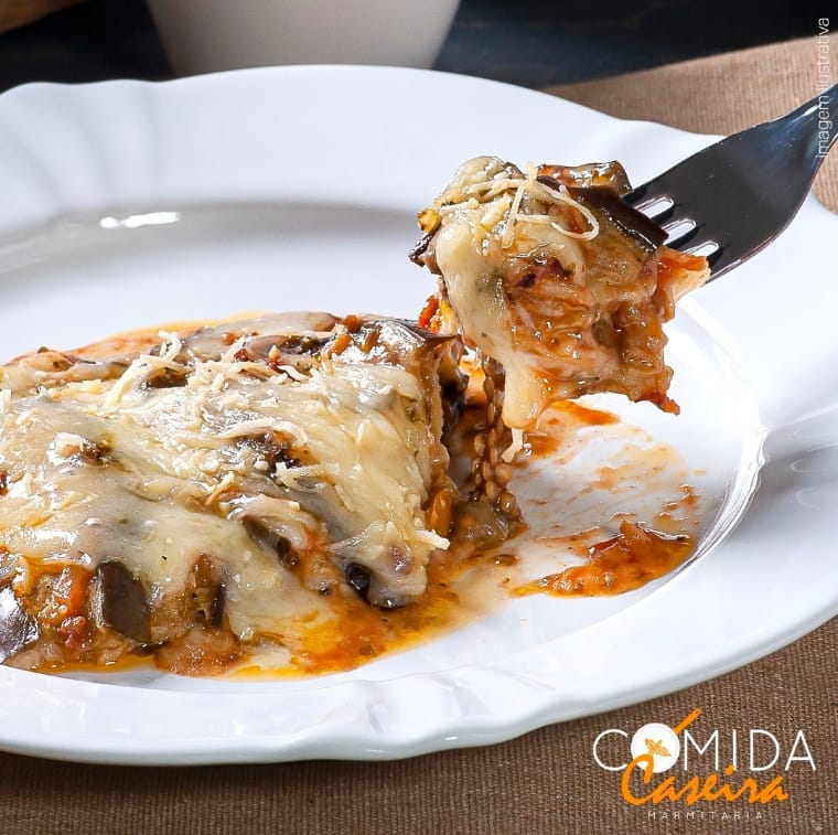 Comida Caseira SN tem terça-feira de lasanha de berinjela