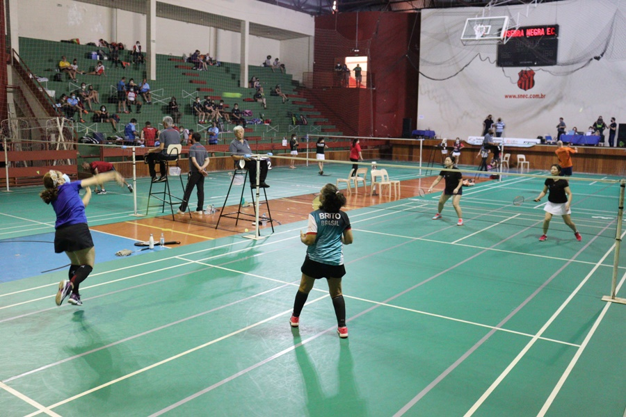Em Serra Negra, 60 atletas participam do 1º Sênior Veterano e Master do Campeonato Paulista de Badminton