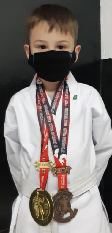Serra-negrense de 6 anos é presença confirmada em campeonato de karatê