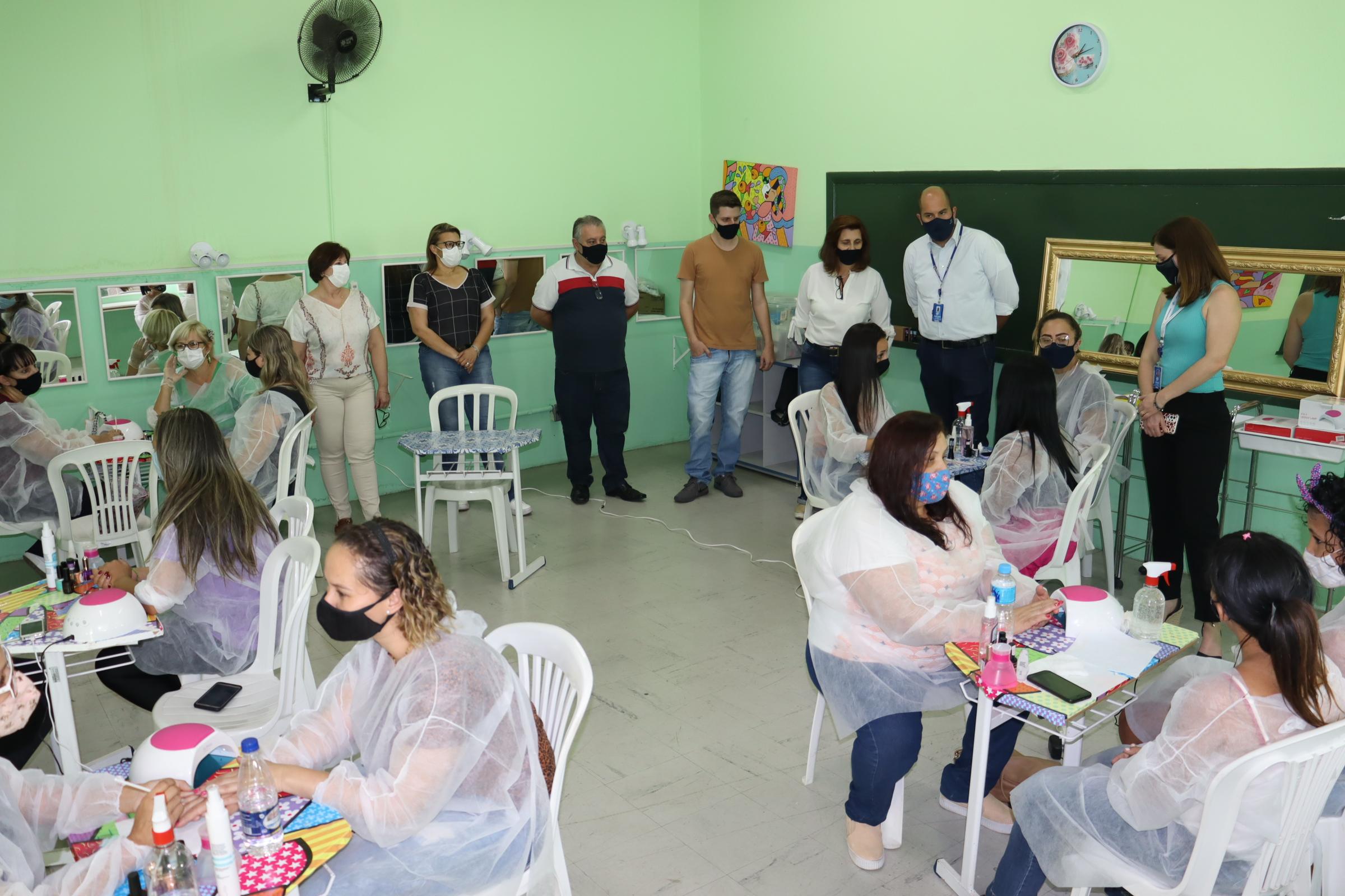 Prefeitura e Sebrae debatem sobre quais os próximos cursos a serem oferecidos