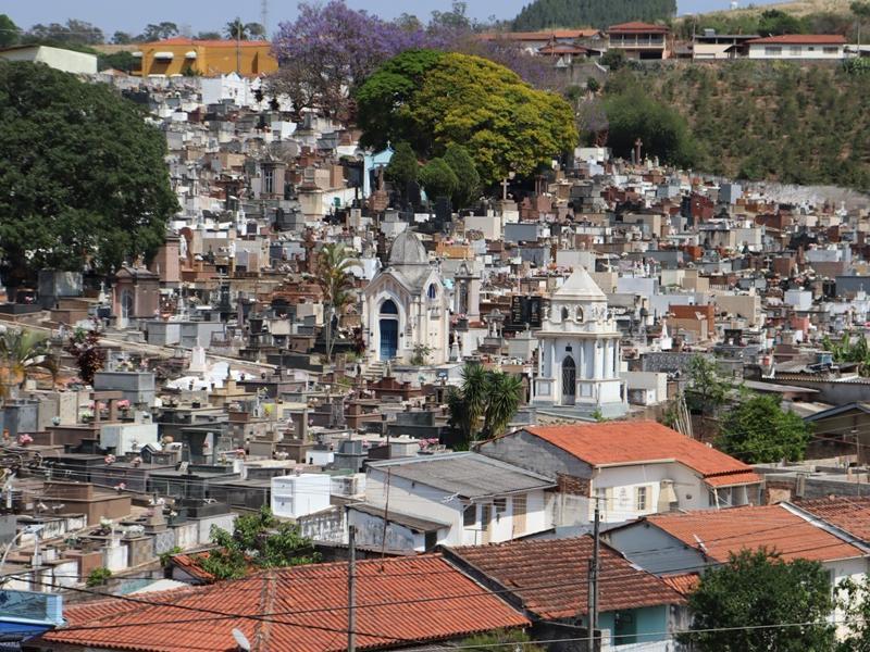 População deve evitar aglomerações no cemitério no Dia de Finados, orienta Vigilância Sanitária de Serra Negra
