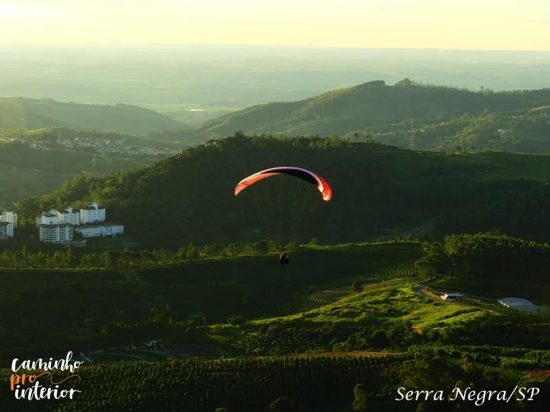 Caminho Pro Interior completa um ano com caminhada até o Alto da Serra, em Serra Negra