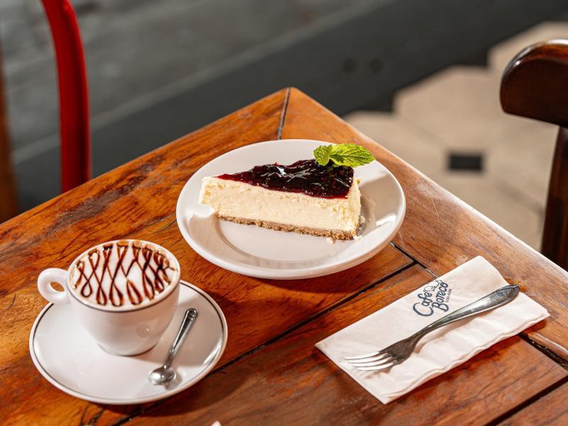 Do almoço à sobremesa, sua opção de meio de semana é o Café Boteco