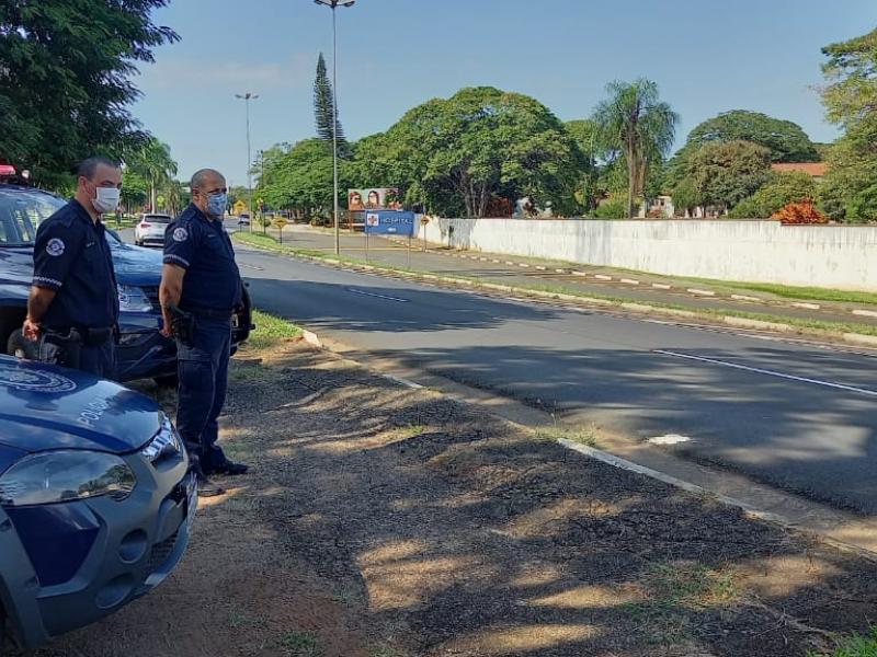Jaguariúna mantém barreiras e proibição de consumo de bebidas alcoólicas em áreas públicas