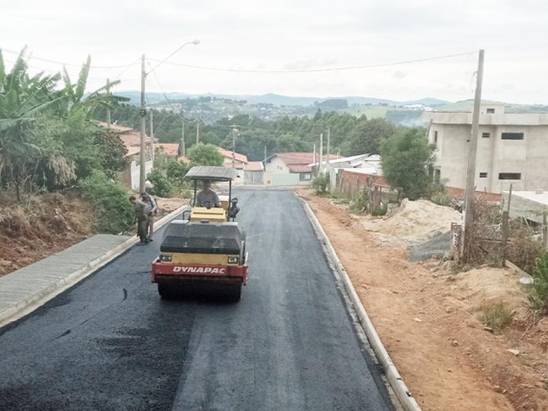Empresa concluiu asfaltamento em quatro vias no Nova Serra Negra