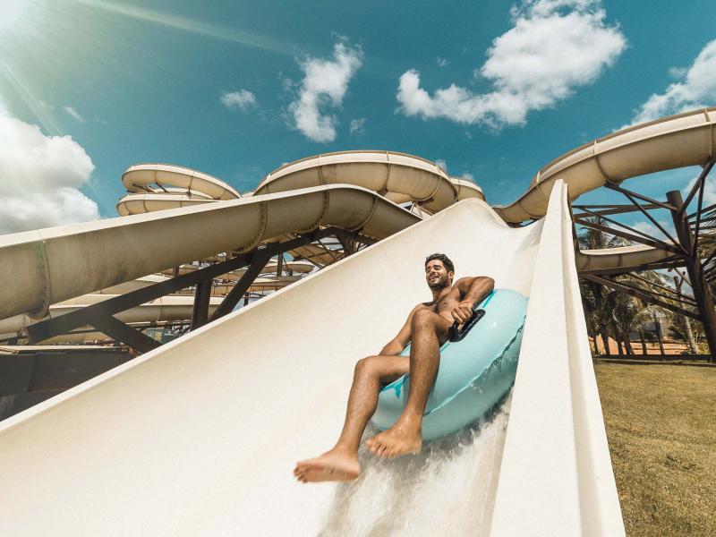 Parque aquático Hot Beach Olímpia reabre no dia 6 de maio