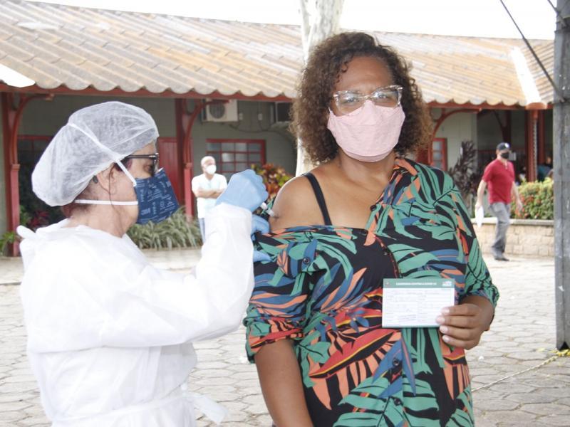 Jaguariúna começa a vacinação para 54 a 50 anos, com comorbidades
