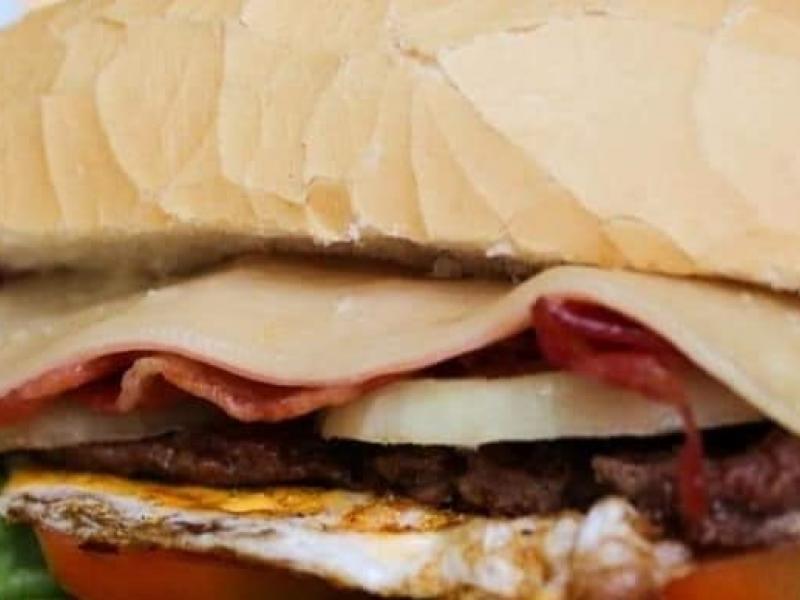 Opções de churrasco são mais do que saborosas na Burger Mania