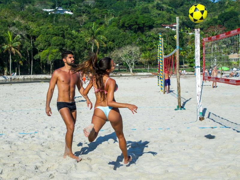 Esporte e bem-estar: futevôlei é tendência nas areias de Maresias