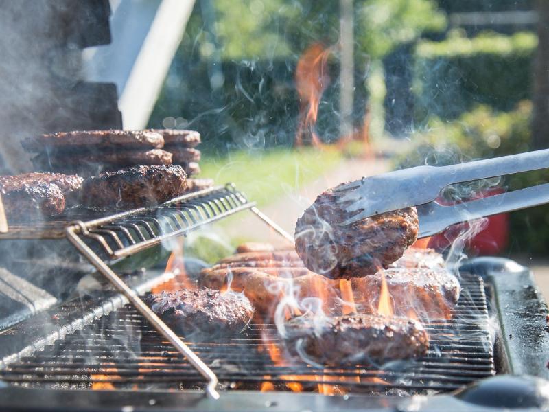 Hamburguerias de Socorro investem em burgers artesanais, blends exclusivos e opções vegetarianas e veganas