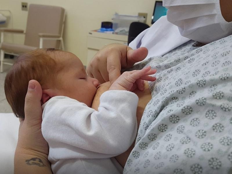Maternidade de Campinas homenageia doadoras de leite materno para incentivar o aleitamento