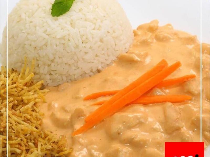 Opa Marmitaria tem feijão branco com linguiça, strogonoff de frango, costelinha no molho, macarrão de forno e muito mais