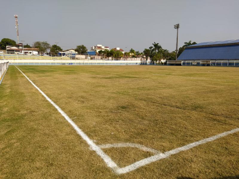 Jaguariúna libera o futebol em praças públicas