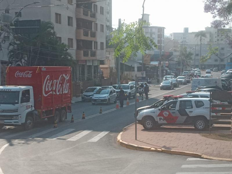 Operação abordou 270 pessoas em Serra Negra e Amparo