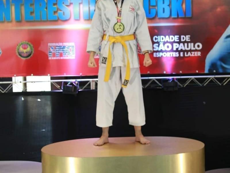 Aline Bueno busca títulos para fechar 2.021 como uma das melhores atletas do Brasil, no Karatê