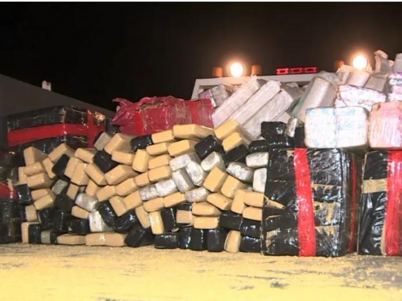 Polícia Municipal de Jaguariúna apreende carreta com 3 toneladas de maconha