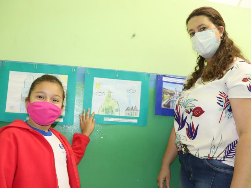 EMEB do Campo do Sete abriu exposição de desenhos de seus alunos